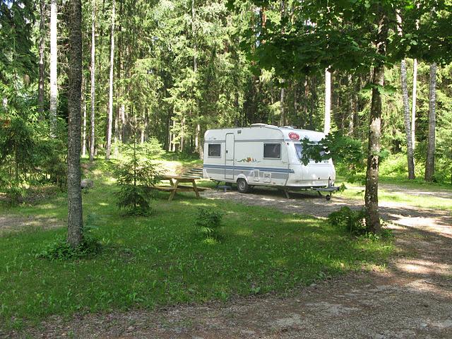 taevaskoja salamaa camping karavaniplats