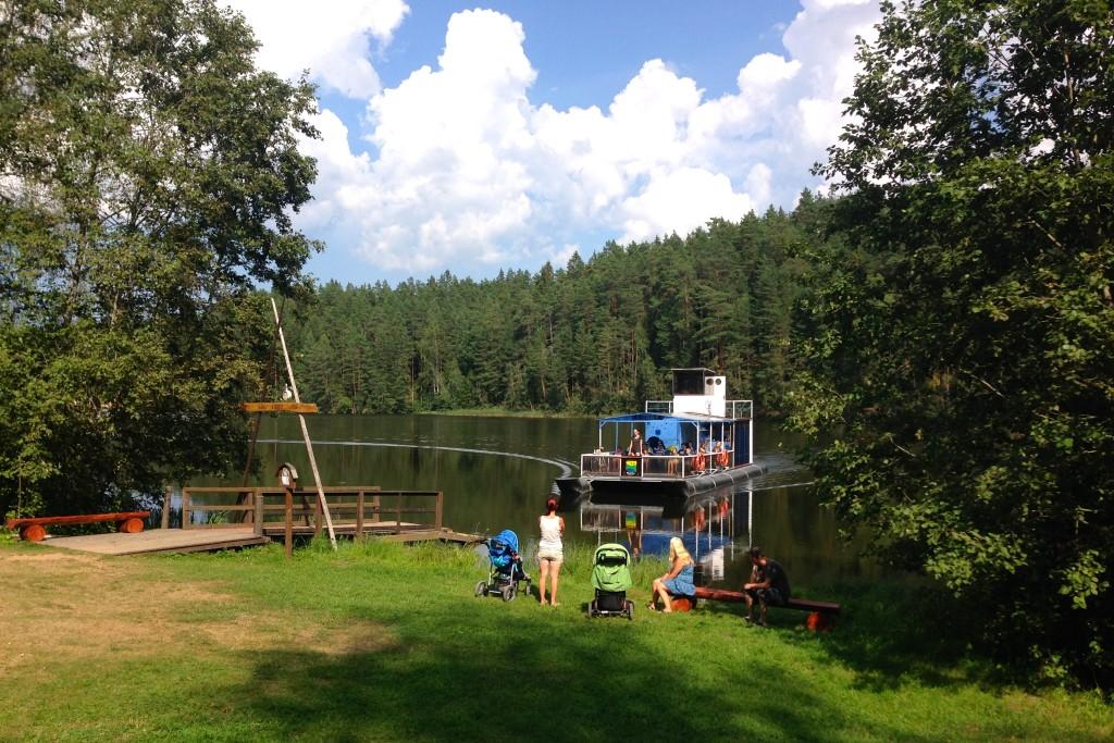taevaskoja salamaa camping jõelaev lonny